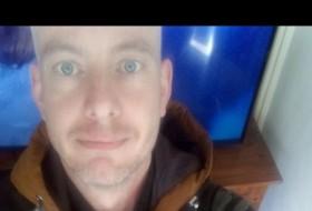Dennis, 36 - Just Me