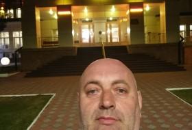 Mark Dobruskin, 48 - Just Me
