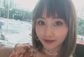 Vivian, 29 - Just Me