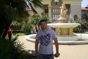 Artyem, 41 - Just Me