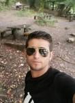 hasan, 27  , Baghdad