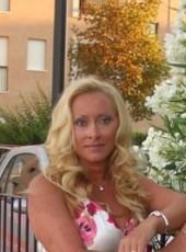Val, 43, Russia, Saint Petersburg