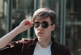 Igor, 19 - Just Me