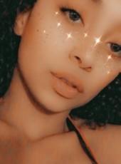 Ana, 21, United States of America, Torrington