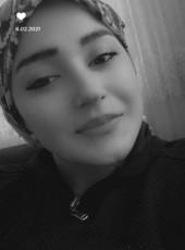 Ayse, 21, Turkey, Istanbul
