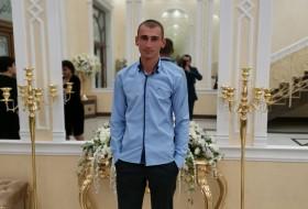 Arsen , 33 - Just Me