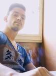 Francesco, 21, Caivano