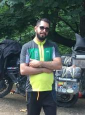 Aref, 34, Iran, Tehran