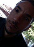 Roberto, 33  , Napoli