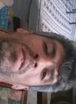 Davut, 42  , Sakaraha