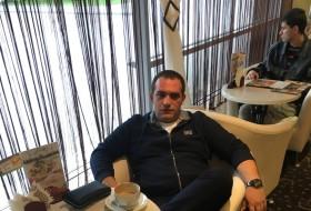 eldar, 39 - Just Me
