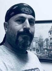 sark, 46, Greece, Dhafni