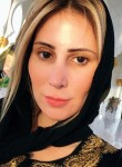 elodie cousseau, 40  , Abobo