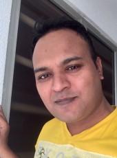 QAMAR ZAMAN, 40, Malaysia, Kuala Lumpur