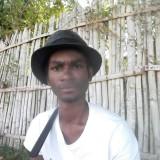 Yousséf, 32  , Dzaoudzi