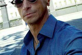 Tony, 40 - Just Me