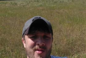 Leonid, 33 - Just Me