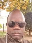 Oumar, 41  , Cergy-Pontoise