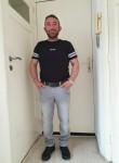 Ali, 42  , Rotterdam