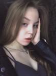 Liza, 18  , Saint Petersburg