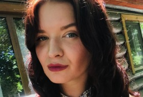 Eseniya, 29 - Just Me