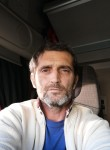 Nicolae , 47  , Lehrte