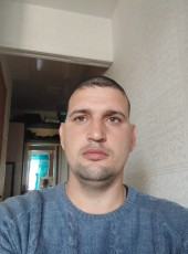 Andrey, 35, Russia, Luchegorsk