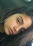 Delia, 18  , Bacau