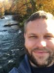 Matt, 32  , Vancouver