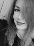 Olga, 25, Pskov
