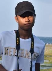 Argie, 18, Philippines, Manila