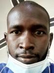 papa ngom, 32  , Dakar