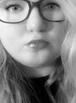 Alexia, 18  , Alabaster