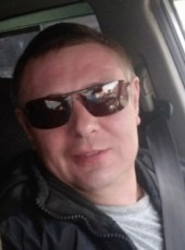 sasha, 44, Russia, Yerbogachën