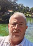 Alaattin , 55  , Istanbul