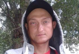 Vlad, 37 - Just Me
