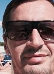 Yann, 42  , Ollioules