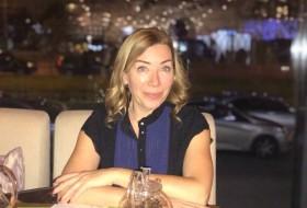 Lina, 45 - Just Me