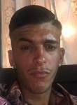 Vincenzo, 26, Milano