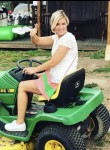 Claire, 40  , Great Bend