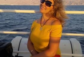Elena, 43 - Just Me