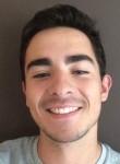 Alexandre, 21  , Arradon