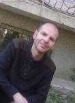 Eroll, 41  , Tetovo