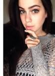 Davilla Marrin, 34  , Paris