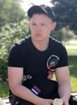 Aleksey , 25  , Azov