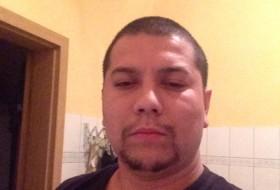 igor, 25 - Just Me