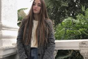 Maria, 18 - Just Me