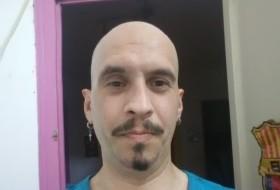 Raul, 37 - Just Me