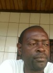 Urbain, 44  , Douala