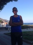 salvatore, 26  , Taormina